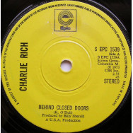 Charlie Rich – Behind Closed Doors